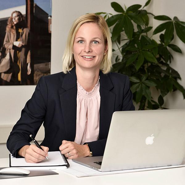 Anika Boehm Mitarbeiterin fuljoymentAG
